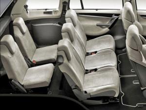 Citroen Grand C4 Picasso - салон автомобиля