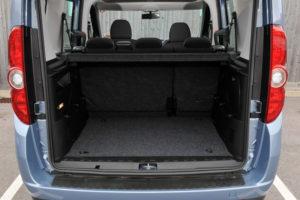 Багажное отделение Fiat Doblo в пятиместной версии автомобиля