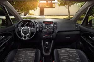 Водительское место, руль, панель управления KIA Venga