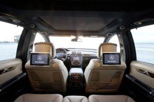 TV в подголовниках Mercedes-Benz R-Class