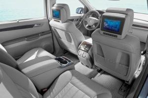 Современный салон Mercedes-Benz R-Class