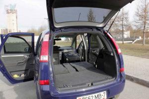 Багажник со сложенными сидениями в Opel Meriva