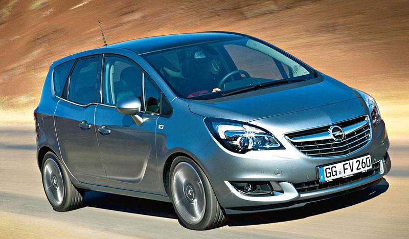 Opel Meriva в движении