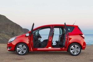 Opel Meriva - вид сбоку, все двери открыты