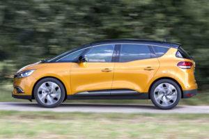 Renault Scenic - вид сбоку