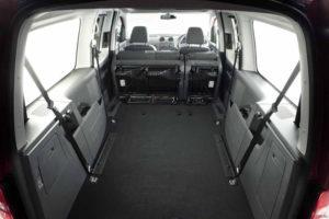 Разобраны сиденья - много места для перевозки груза