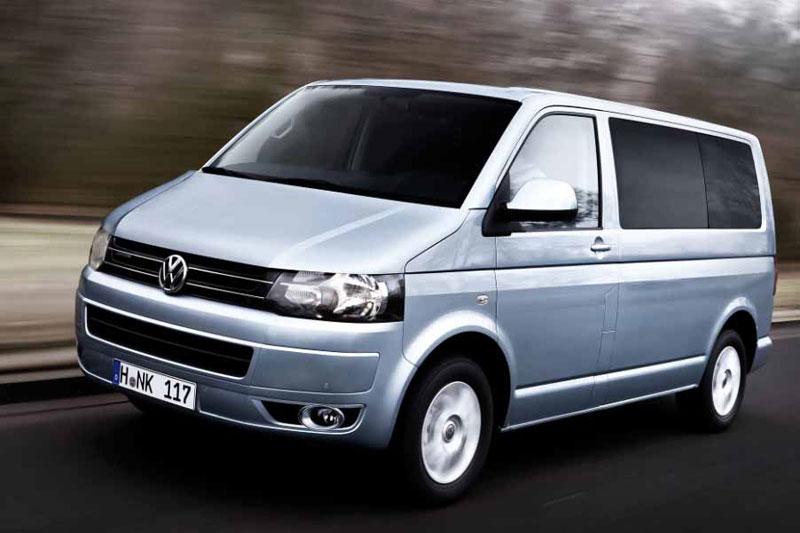 VW Multivan на трассе