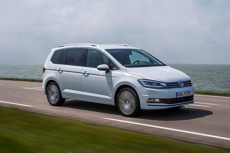 Volkswagen Touran на трассе