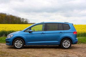 Volkswagen Touran - вид сбоку