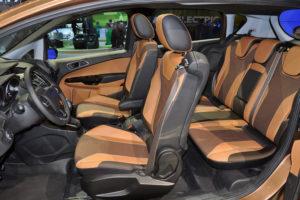 Красивый стильный салон Ford B-Max