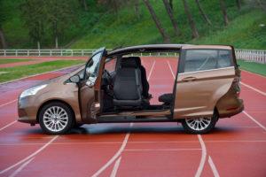 Ford B-Max - вид сбоку