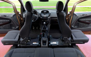 В салоне автомобиля Ford B-Max