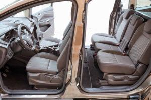 Ford Grand C-Max - первый и второй ряды сидений
