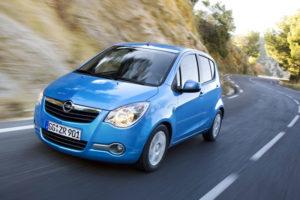 Opel Agila в движении