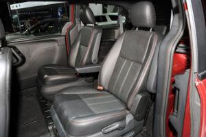 Кресла пассажиров в авто Dodge Grand Caravan