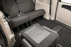 Раскладывание сидений в Dodge Grand Caravan