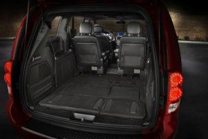 Багажное отделение Dodge Grand Caravan