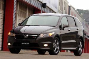 Минивэн Honda Stream