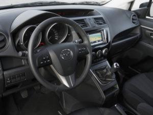 Руль и приборная панель Mazda 5