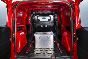 Внутри фургона Opel Combo