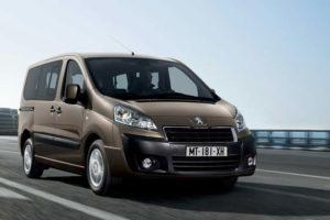 Peugeot Expert Tepee на дороге