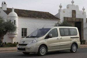 Peugeot Expert Tepee - вид сбоку