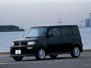 Toyota bB в движении