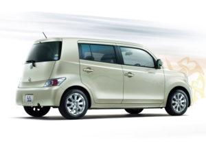 Toyota bB - японский минивэн