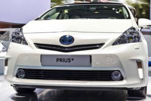 Toyota Prius+ - вид спереди