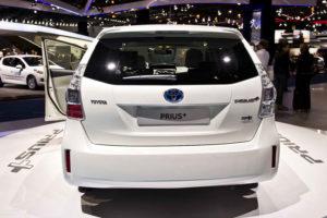 Toyota Prius+ - вид сзади