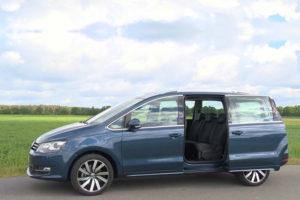 Volkswagen Sharan - вид сбоку с открытой дверью
